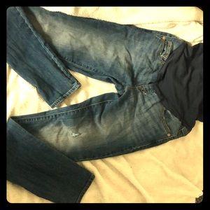 Old navy Maternity Full-Panel Skinny Jeans !!